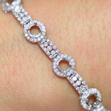 Custom Bracelet AVLD131