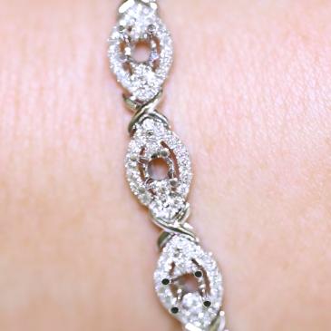 Custom Bracelet AVL136