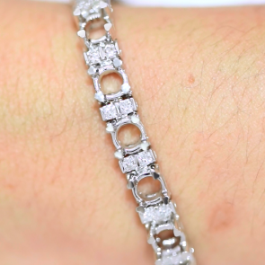 Custom Bracelet AVLD102