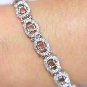 Custom Bracelet AVLD135